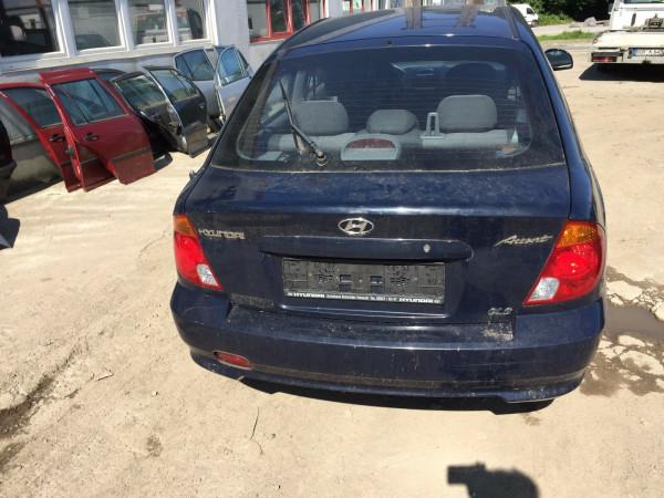 Hyundai Accent II Stoßstange hinten in Blau 2003 Baujahr 4 Türig