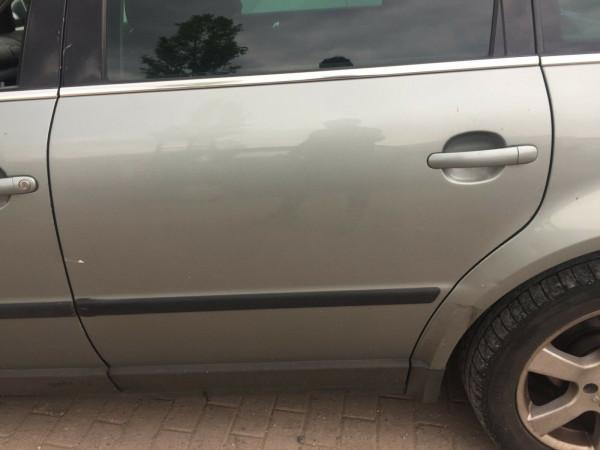 VW Passat 3BG kombi Tür hinten links in Stonehengegrey metallic LA7S