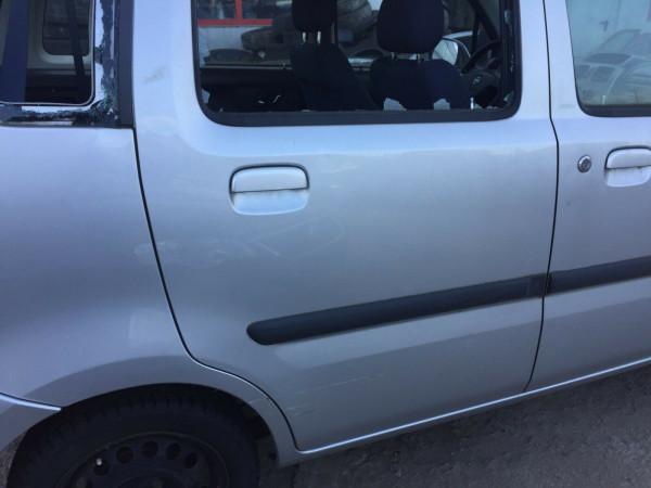 Opel Agila A Tür hinten rechts komplett in Z157 silber Scheibe kaput