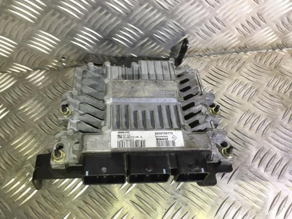 Motor Steuergerät 8200755773 8200680832 Renault Megane II 1.5 DCI K9K773 Motor