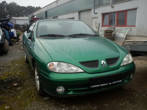 Renault Megane Cabrio Stoßstange hinten in Grün NV901 2001 Baujahr