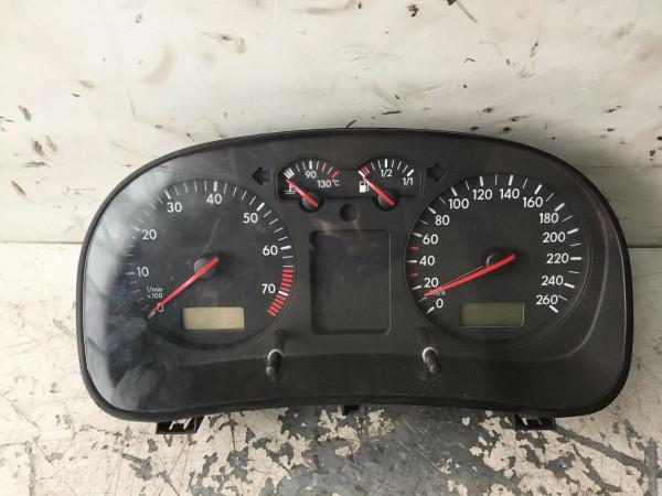 Tacho 1j0919860D VW Golf IV 1.6 AKL Motor