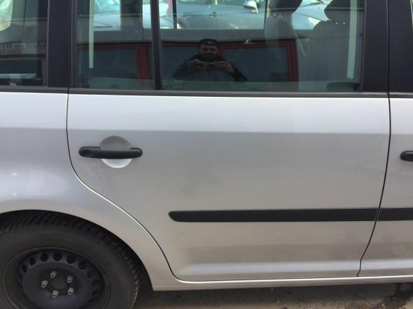 VW Touran 1T Tür hinten rechts komplett in LA7W reflex silber 2006 Baujahr