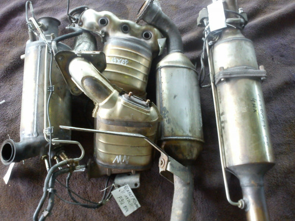 Katalysator Krümmerkat Fiat Stilo 1.6 16V 2004Bj. 182B6000 Motor 76kw 46808744