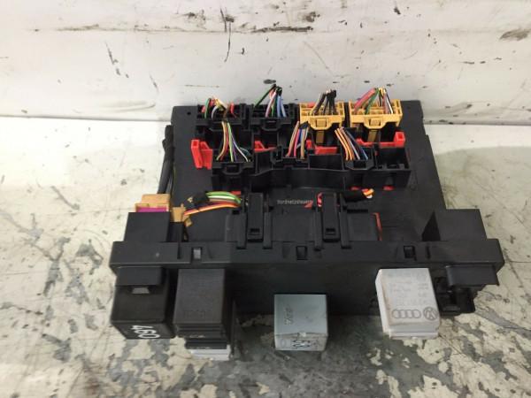 Bordnetzsteuergerät Sicherungskasten VW Touran 1K0937049M