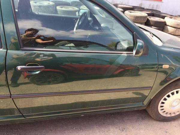 VW Golf IV Tür komplett rechts in dunkelgrün met. LC6M 3 Türig 1999 Bj.