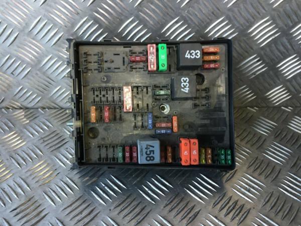2K1937535A 1K0937821A Sicherungskasten Relais VW Caddy III kasten 1.9 TDI