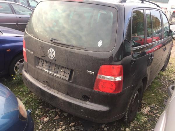 VW Touran 1T Stoßstange hinten mit PDC in LO41 schwarz 2005 Baujahr