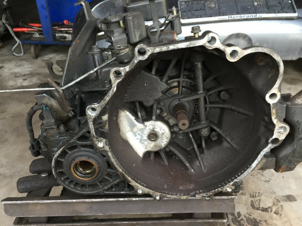 Getriebe Schaltgetriebe Hyundai Santa Fe I 2.0 CRDI 2WD 83KW D4EA ca.138000km!!