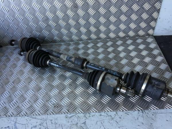 Antriebswelle links KIA Sportage JE 2.0 16V 141PS 2008 Bj. G4GC