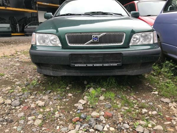 Volvo V40 1.8i Kombi Tür hinten links in grün 335 Baujahr 2001