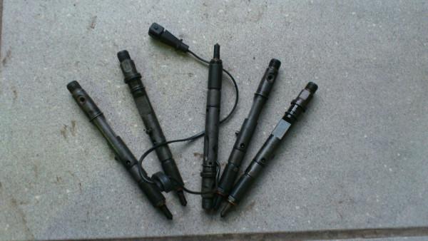7700875036 Einspritzdüse Injektor Renault Scenic