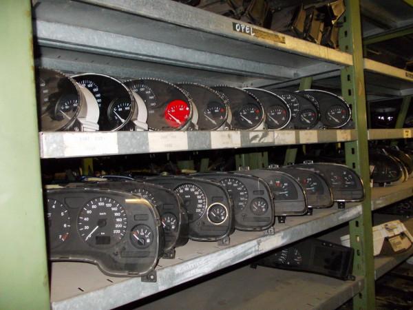 8D0919033C Tacho Audi A4 B5 1.6 Benziner Automatik getriebe 1996Bj.