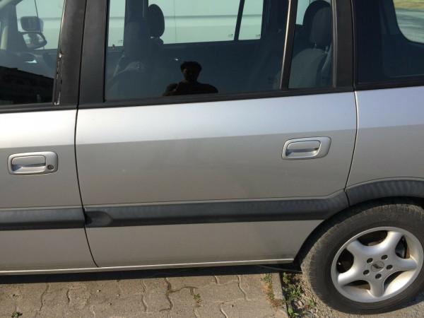 Opel Zafira A Tür hinten links komplett in silber Z157 2002 Baujahr