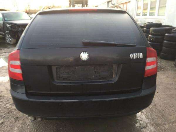 Scoda Octavia II kombi Stoßstange hinten mit PDc komplett in schwarz LF9R