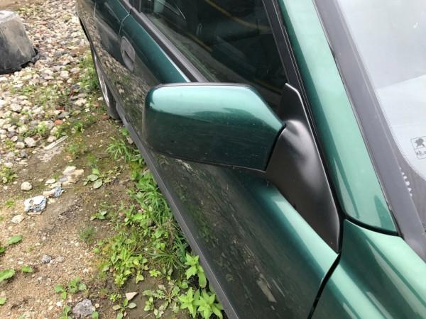 Volvo V40 1.8i Kombi Außenspiegel rechts elektrisch in grün 335 Baujahr 2001