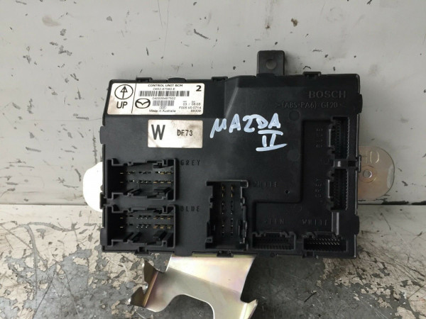 Bordnetzsteuergerät Sicherungskasten Mazda II 2 2007 Baujahr D652-67560E
