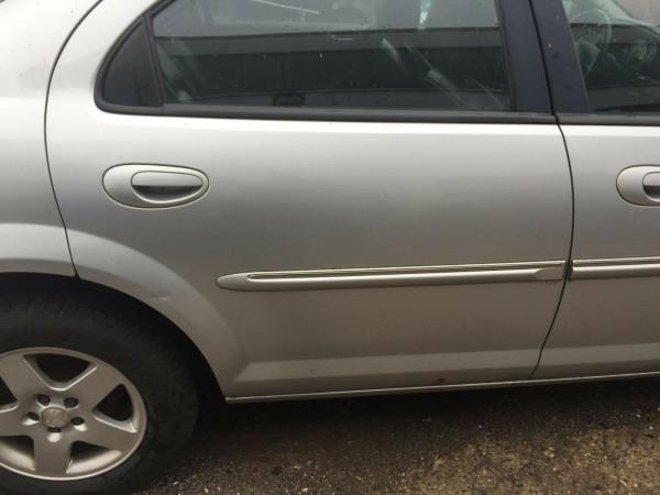 Chrysler Sebring JR Stufenheck Tür hinten rechts komplett in silber PS2 2003Bj.