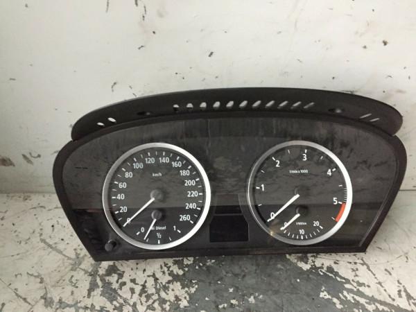 62116945633 110080213/228 Tacho BMW E60 525d M57T